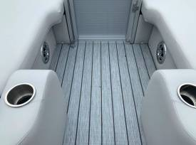 Avalon LSZ Rear Lounge